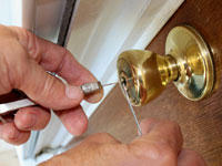 Locksmith services Brisbane - lock picking